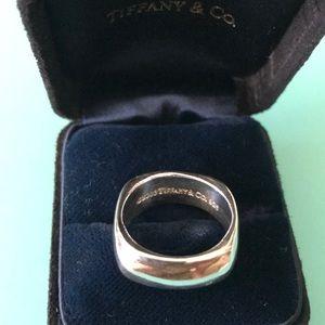 Tiffany & co cushion square ring size 6.1/4